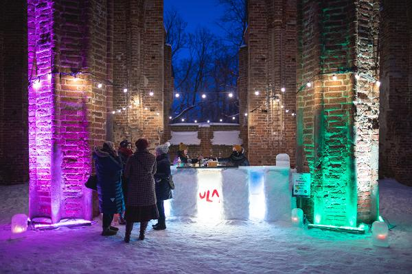 ULA snow bar at the opening of Ars Academica in the ruins of the Cathedral