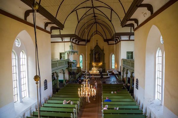 EELK Rõngu Mihkli (Miikaeli) kirik seest