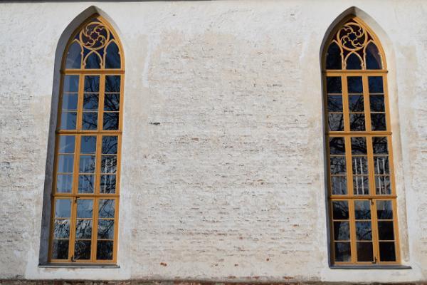 Rannu baznīcas logi