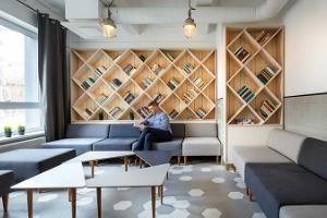 Hektor Design Hostelin aula