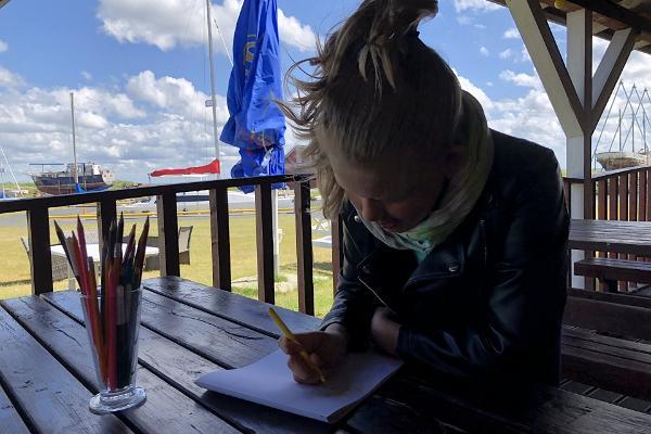 Children can draw at Sõru Pub