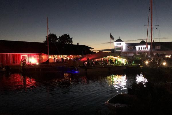 Sõru Pub is especially lovely on summer nights