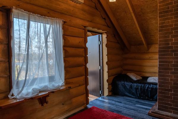 Väikesaare puhkemaja tuba