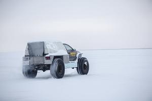 Upplevelsetur med karakatitsa på isen av Peipussjön