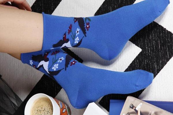 swallow-sinised-meriinovillased-sokid-naistele