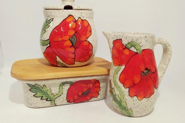handmade-estonian-ceramics-Poppys-Moonid