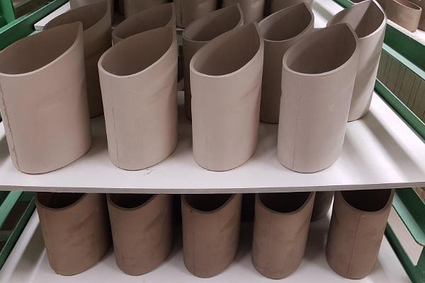 handmade-estonian-ceramics-piimapakihoidja-milkjug