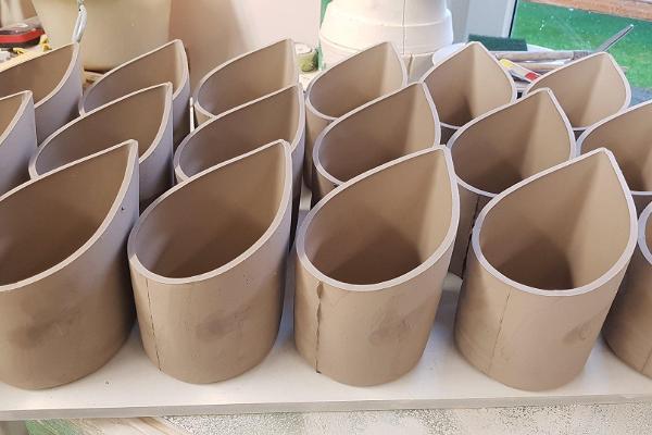 handmade-estonian-ceramics-hapukoorepakihoidja-sourcreamjug