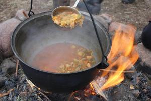 Vegan `seljanka`, mõnusalt vürtsikas ja tummine!