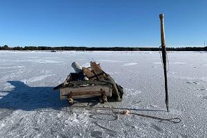 Рыбалка с настоящим рыбаком с острова Кихну (зимой на санях)
