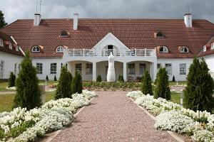 Sagadin kartanon hotelli