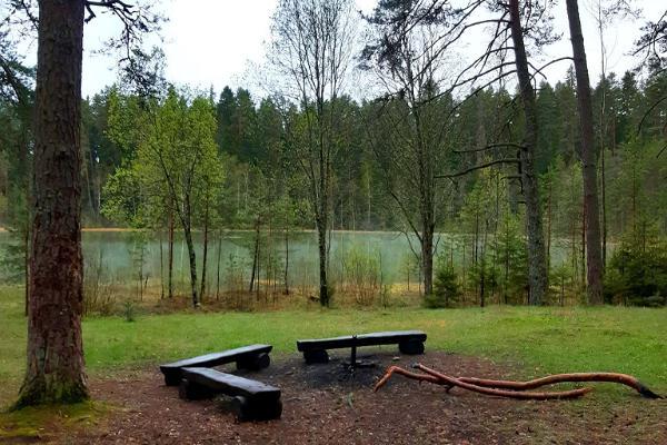 Resting place near Lake Vaikne