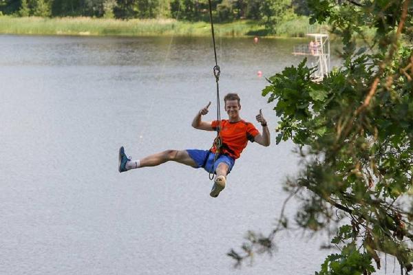 Elva Seikluspark, sõit trossiga üle järve!