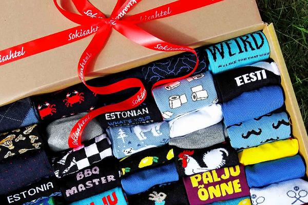 Gift box with 50 pairs of socks