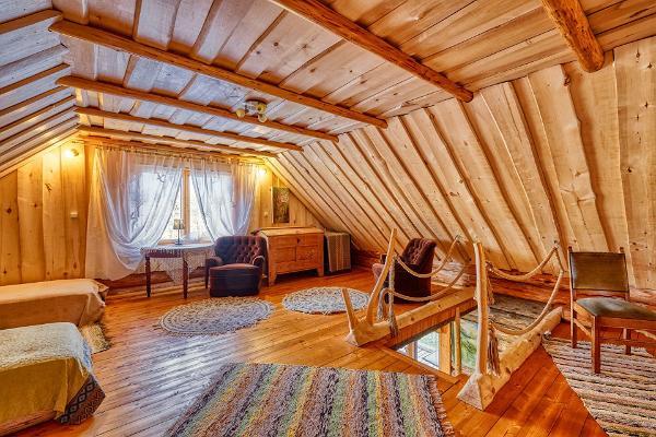 Saare Järve Puhkemaja. Second floor sleeping area.