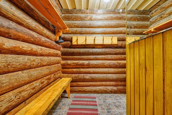 Saare Järve Puhkemaja. Sauna dressing room.