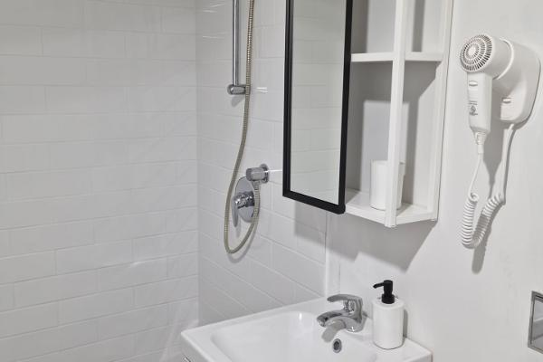 Tõstamaa Meierei Hotel, bathroom