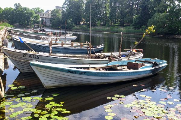 Boat ride with a picnic for two along Sauga and Pärnu river