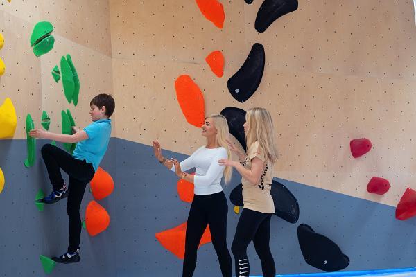 Kivi Climbing
