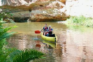 Dagsturer med kanot och kajak på Ahjafloden