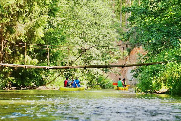 Eintägige Kanu- und Paddelboottouren auf dem Fluss Ahja