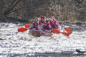 Рафтинг по рекам Выханду и Пиуза во время весеннего половодья