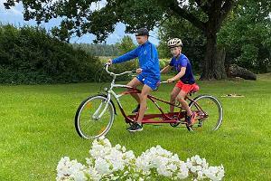 Tandem-jalgrataste rent Tartumaal Neemiskülas