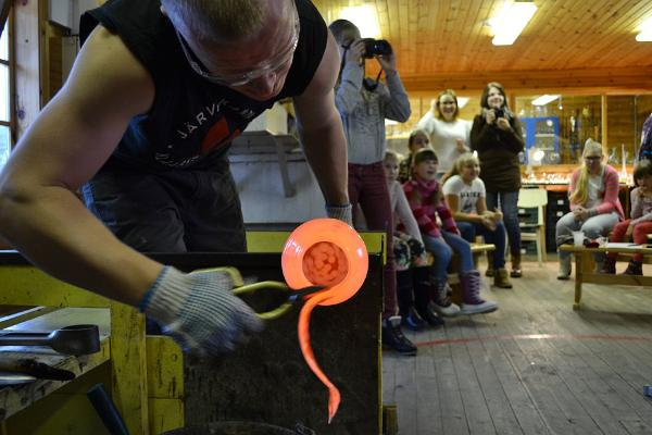 Klaasipuhumine Eesti klaasipealinnas Järvakandis