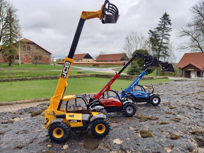 """Põllumajandustehnika mudelite näitus """"Minitraktorite maailmas"""""""