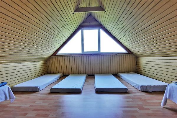 Room No. 9 'Pioneer camp' (2 beds, 4 mattresses)