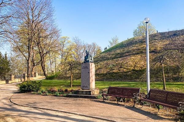 Friedrich Reinhold Kreutzwaldi monument Rakveres