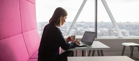 Entrepreneur woman working on computer
