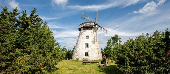 Nature travel tips from Lucas and Anna of Rugged Roadtrips, Visit Estonia, Hiiumaa island