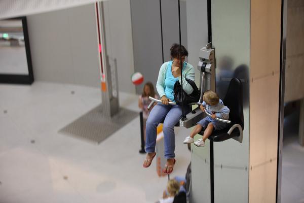 Perhelomapaketti majoituksella mukavassa Tartossa - äiti ja lapsi tiedekeskus AHHAASSA