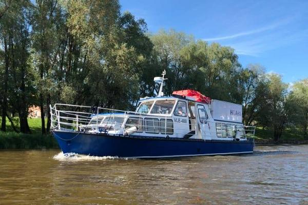 Passenger boat Hilara on the River Emajõgi