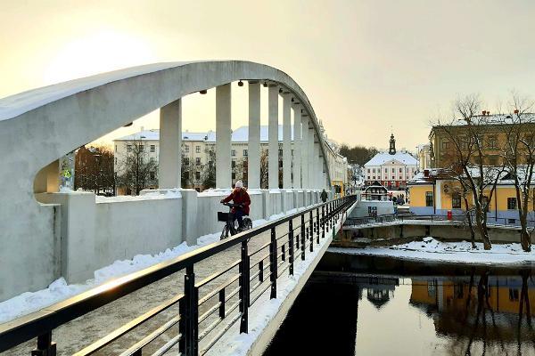 Giidiga jalutuskäik Tartu vanalinnas - Kaarsild talvel