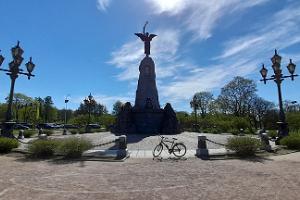 Tallinn Bike Tour including Kalamaja, Telliskivi, Kadriorg