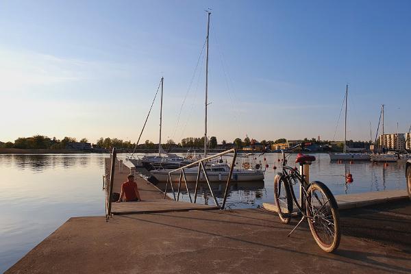 Jalgratastel giidituur kesklinnast agulitesse ja mere äärde