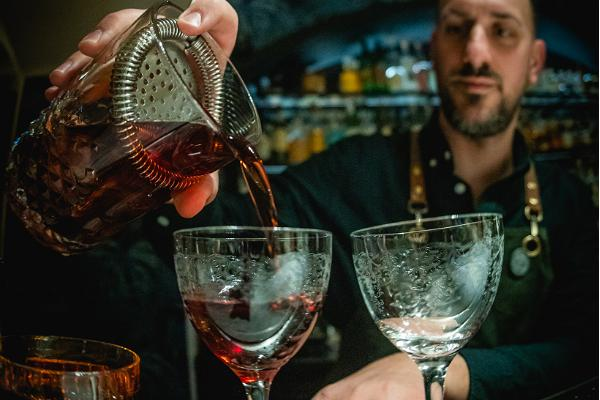 Cocktail bar Whisper Sister