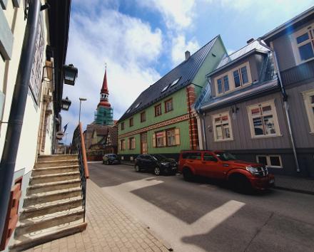 Экскурсия, посвященная праздникам исторической части города Таллинна, и мастер-класс по приготовлению марципановых трюфелей