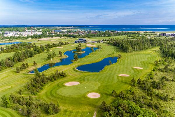 Golfi väljak