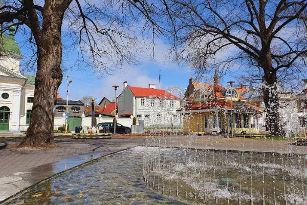 Lastesõbralik giidiga ekskursioon Pärnu vanalinnas
