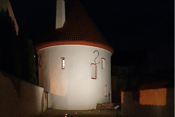 """Giidiga ekskursioon """"Tõestisündinud lood ja uskumatud legendid Pärnus"""""""