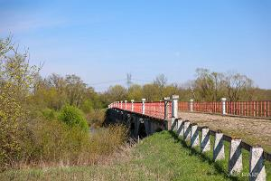 Kasarijoki ja historiallinen silta