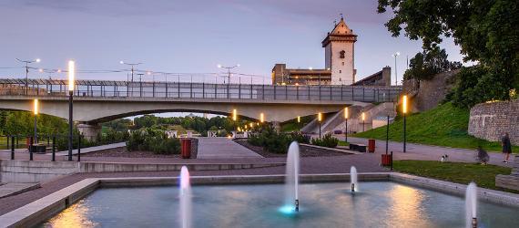 Kesäkuusta Narvasta jokea pitkin Narva-Jõesuuhun