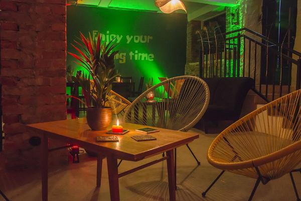 Riki Tiki cocktail bar in Tartu