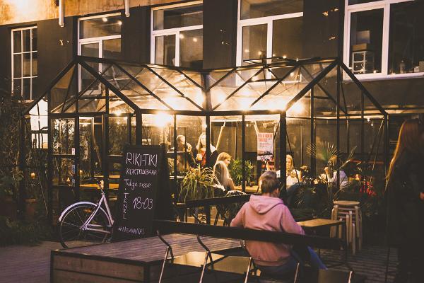 Riki Tiki cocktail bar