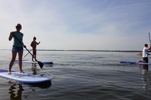 Pärnu Surfcentrums uthyrning av Stand Up Paddle brädor (SUP) i Pärnu och i olika ställen i Estland