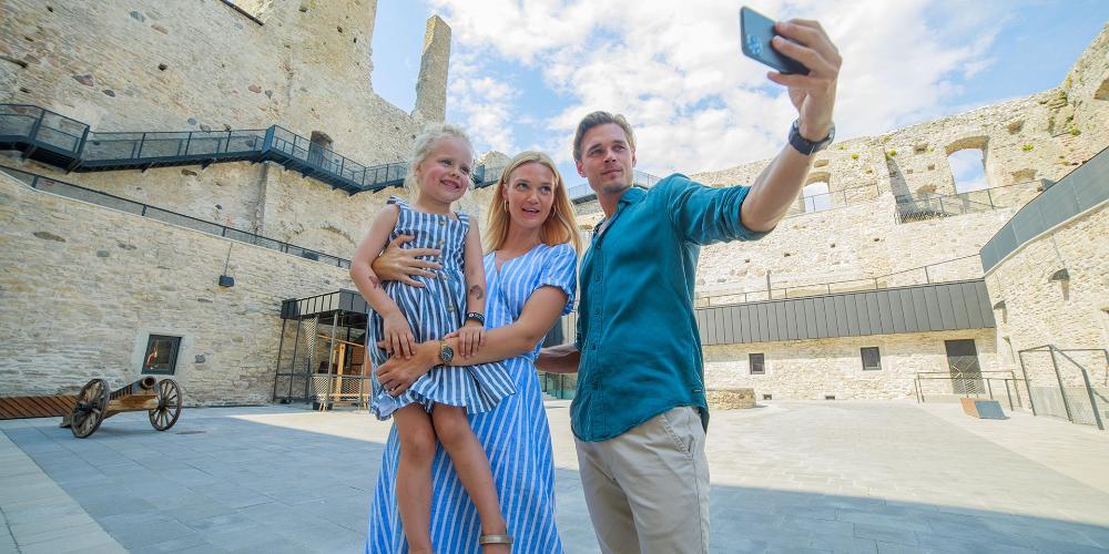 TOP 10 aktivitātes ģimenēm ar bērniem vasarā