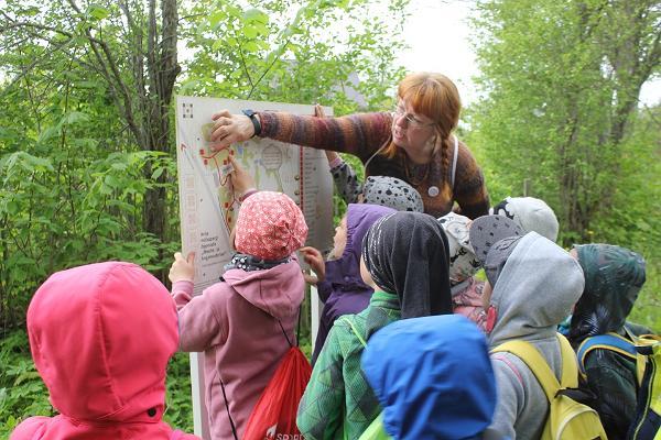Anija mõisapargi saladuste rada giidiga lastele, noortele ja peredele